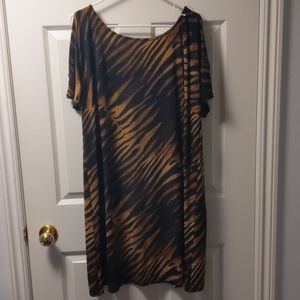 NWOT - Dress barn - size 18 wild print dress flowy